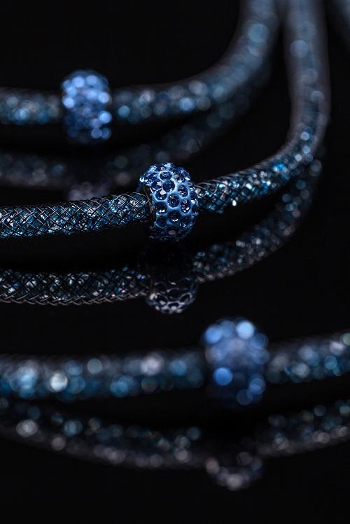 un collier perle céramiquelors d'un événement